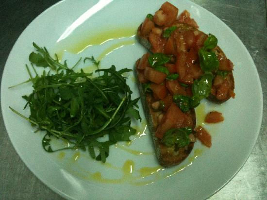 Lauras at Westbeach: Tomato & mozzarella bruschetta