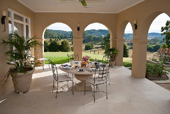 The Villa At Hannam Vale: Breakfast in the Cloisters