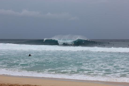 Oahu, HI: Pipeline on the North Shore.