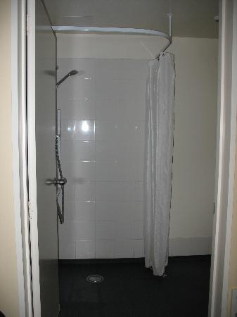 City Centre Motel : Open shower