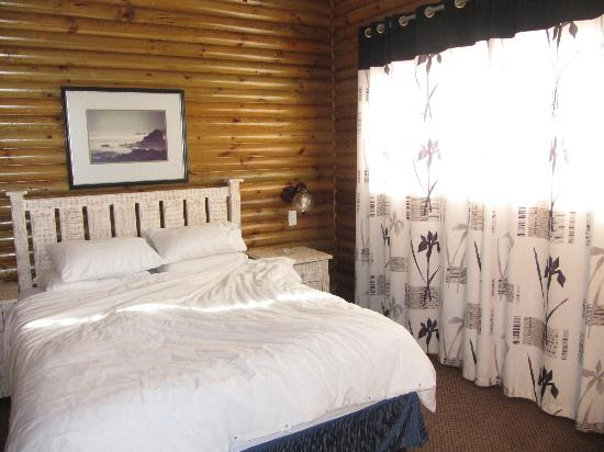 Storms River Mouth Restcamp: bedroom