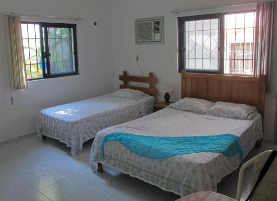 Maria Leticia Apartments : Room 1