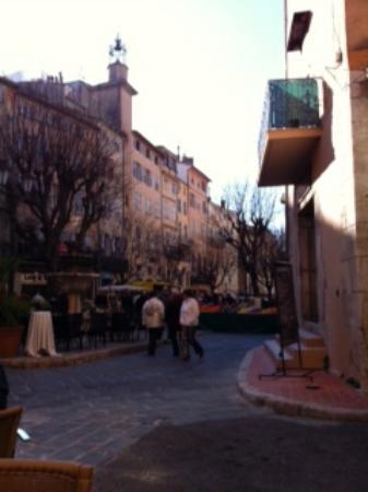 Les Palmiers- Grasse : Grasse Place aux Aires