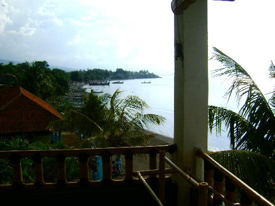 Bali Grand Sunsets Resort & Spa: view from the balcony of rooms on the second floor