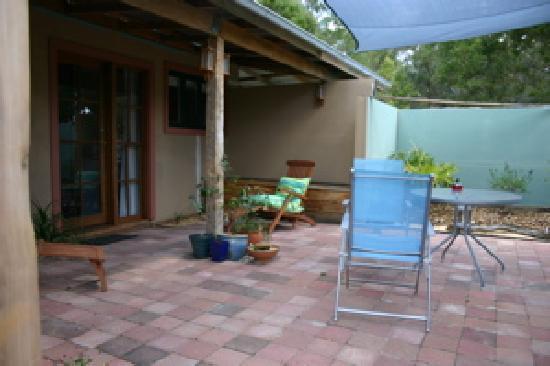Eganstown, Australien: FSC Lomandra courtyard