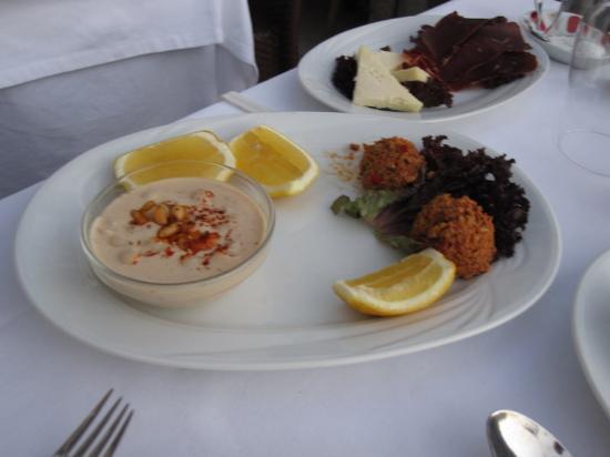 Matbah Ottoman Palace Cuisine : Ramadan plate 2