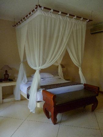 The Kozy Villas: the room