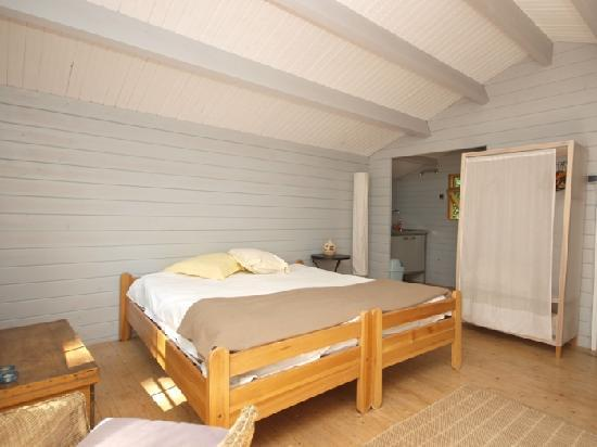 Lei Chambris : Log Cabin Interior