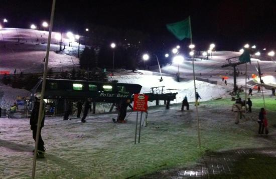 Seven Springs Mountain Resort: Seven Springs at night.
