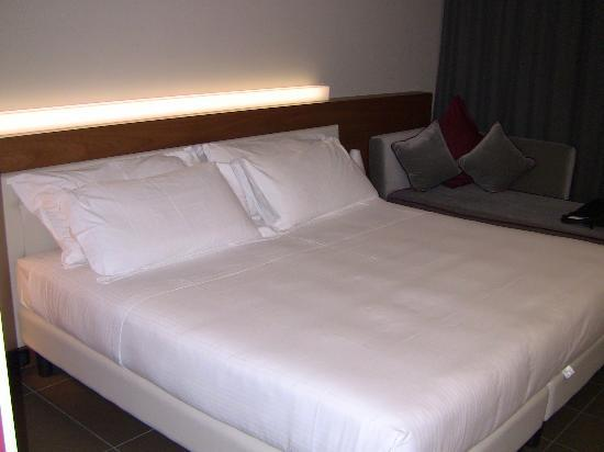 Cosmopolitan Business Hotel: letto
