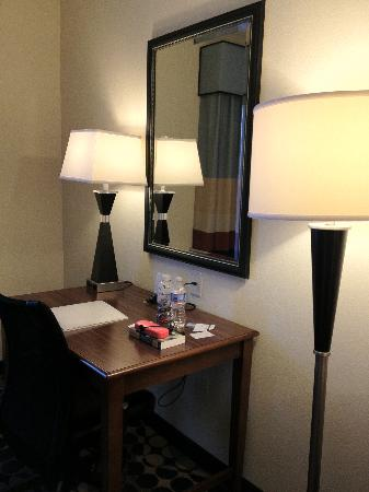 Hampton Inn & Suites Durham North I-85: Desk