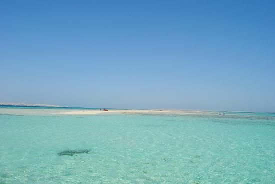 Magawish Village & Resort: mare stupendo vicino alla lingua di sabbia