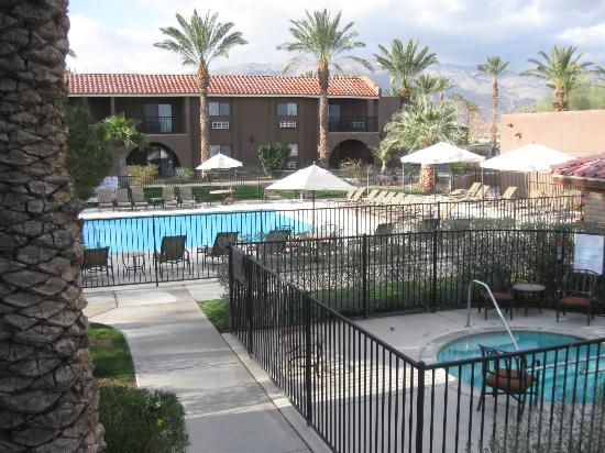 Borrego Springs Resort & Spa: the pool & jacuzzi were just one of the amenities