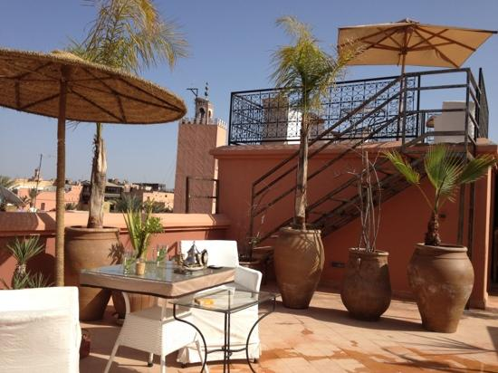 Riad Dar Anika: Sky bar, 360* view uncovering the whole of the Medina, from the Atlas mountains to the Kutobia T