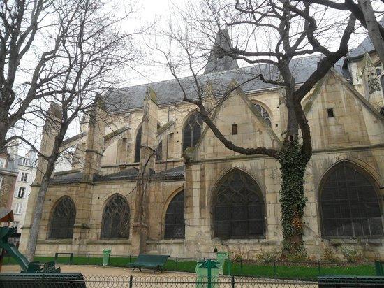 圣梅达教堂