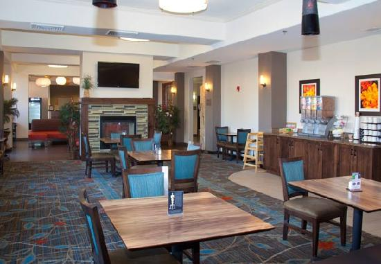 Fairfield Inn & Suites Grand Junction Downtown/Historic Main Street: Breakfast Room