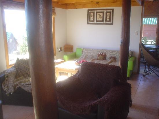 Cerro La Matilde Aparts: living del quincho para compartir