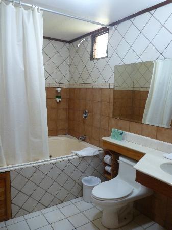 Hotel Lavas Tacotal: Baño