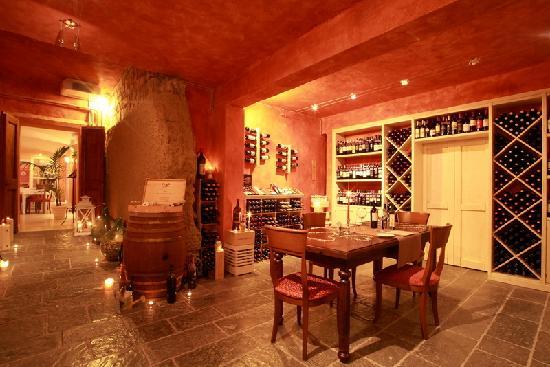 Ristorante Cortefreda: La Cantina del Chianti_Chianti's Wine Cellat