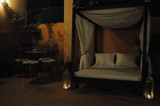 Riad Atman: The terrace at night