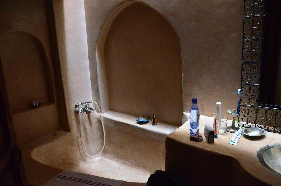 Riad Villa El Arsa: salle de bains: wouaouuu