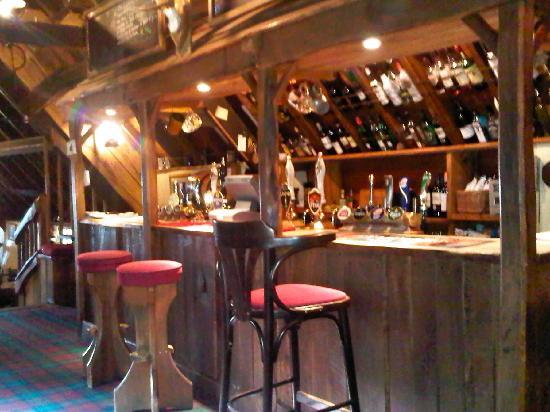 Blue Ball Inn: pub interior