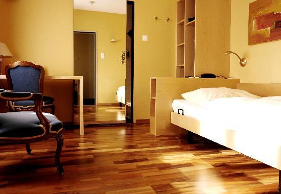 Hotel Sunnehus: Zimmer mit Dusche / room with shower