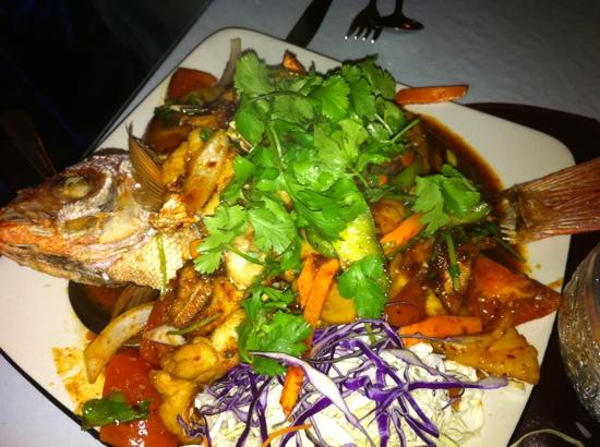 Reangthai Thai Restaurant: Red Snapper Special.. delicious!