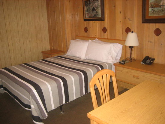 Lake Creek Inn