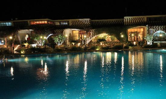 達哈布瑞士渡假飯店照片
