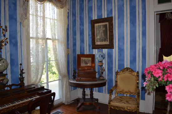 Antebellum Guest House: Parlor with Polyphon