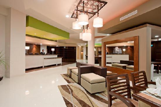 Holiday Inn Tijuana Zona Rio : Lobby