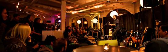 Communitea Cafe: Live music select evenings