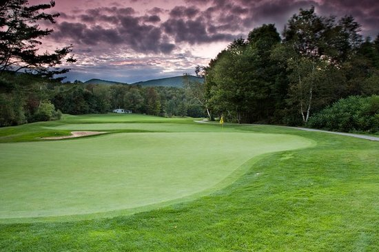Green Mountain National Golf Course: A beautiful twilight ski on Hole #3.