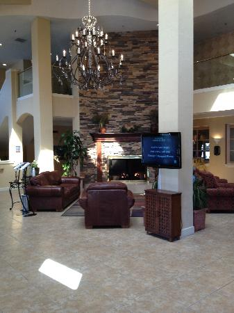 Embassy Suites by Hilton Temecula Valley Wine Country: Lobby