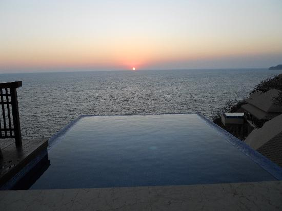 Banyan Tree Cabo Marques: Sunset over Pacific
