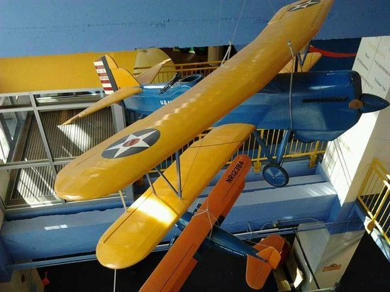 Lincoln Children's Museum: planes