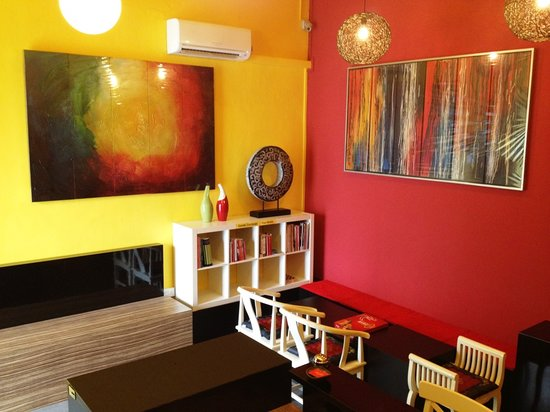 Photo of Moni Gallery Hostel Singapore