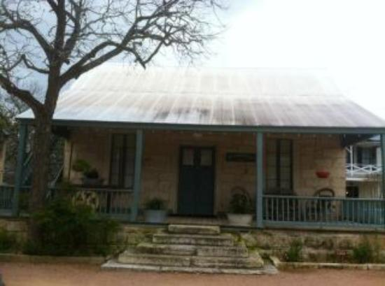 Meyer Bed and Breakfast on Cypress Creek: The original homestead house built in the 1850's