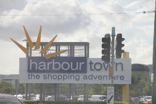 ‪‪Harbour Town Outlet Shopping Centre‬: Harbour town entrance‬