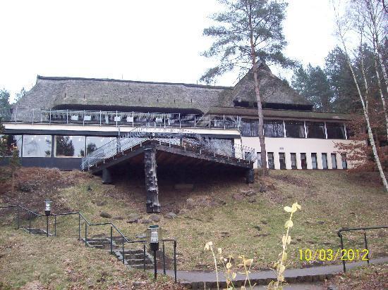 Van der Valk Naturresort Drewitz: Haupthaus mit Pool in Keller
