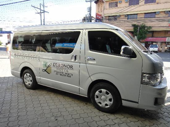 D'Leonor Hotel: van transfer