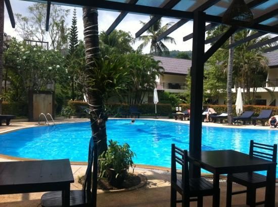 Bamboo Beach Hotel & Spa: pool area