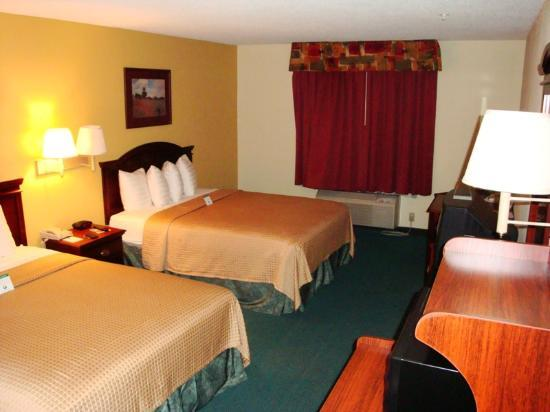 BEST WESTERN Galleria Inn & Suites: Room - view 2/2