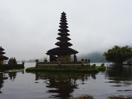 Bali, Endonezya: Lake Bratan temple