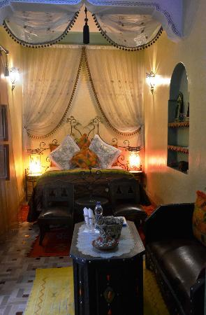 onze romantische slaapkamer - Picture of Riad Bleu Du Sud, Marrakech ...