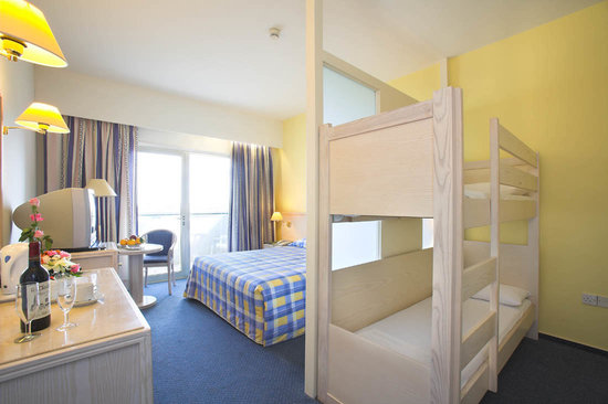 Golden Coast Beach Hotel: Kids Suite