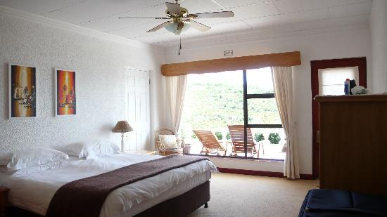 Brenton Hill Self Catering: One of the bedrooms of the Weavers Nest