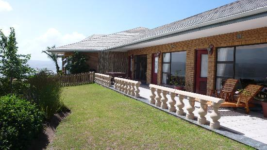 Brenton Hill Self Catering: terrace of the Weavers Nest