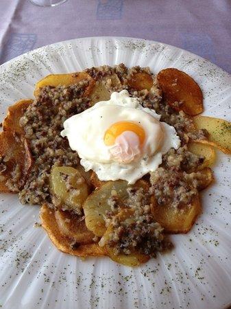 La Mar Sala: Patatas con butifarra de perol